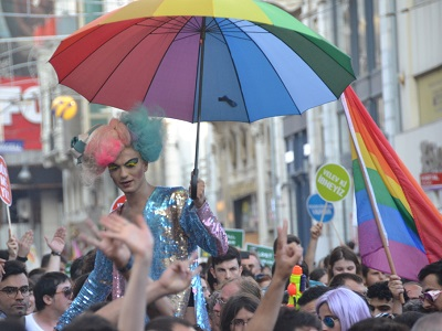 Izmir gay and lesbian travel guide